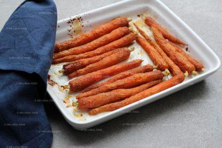 Geglaceerde wortels uit de oven